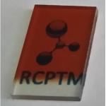 Velmi tenká (< 50 nm) vysoce aktivní hematitová fotoanoda použitá pro solární fotoelektrochemické štěpení vody.